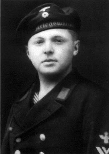 <b>Jakob Weyres</b>, były marynarz z obsługi dalmierza na stanowisku dowodzenia ... - d15a